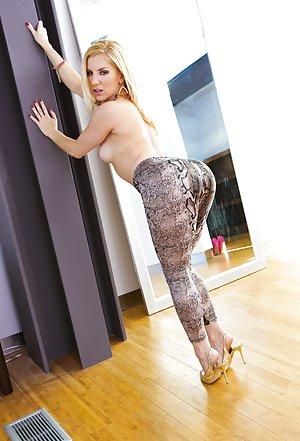 Yoga Pants Pics
